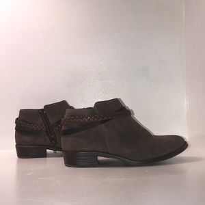 Nine West Shoes - Nine west booties in perfect condition;)